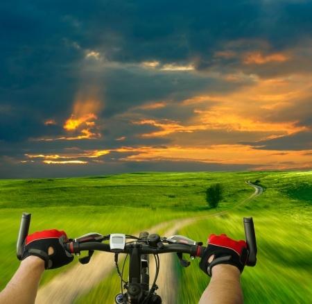 pedalar longas distâncias