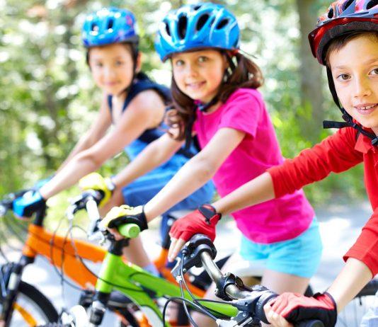 ensinar seu filho a andar de bicicleta